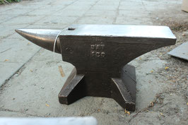 # 3557 - rare belgian UAT anvil in near mint condition with 100 kg = 220 lbs