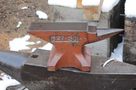 # 2687 - top rare vintage Kohlswa anvil with just 30 kg marked = 66 lbs , B27 pattern