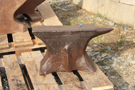 # 2301 - MUSEUM PIECE : antique decorated  FRENCH ANVIL , about 143 lbs