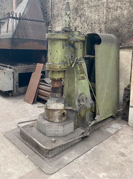 # 3296  - BECHE L2 . Powerhammer with 50kg Bär weight , top historical industrial machine in full working order