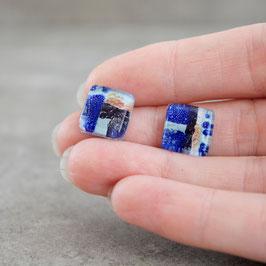 Cabujones pequeños colores azules, diseño abstracto