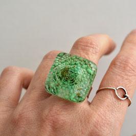 Anillo burbujas verdes