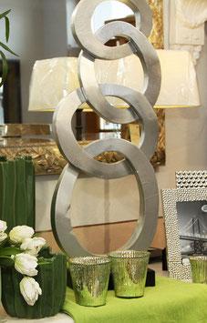 Ringeskulptur silbern, auf Fuß