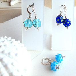 Glasperlen-Ohrhänger Sommerblau