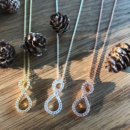 Halskette mit Infinity-Anhänger