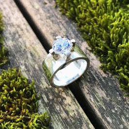 Fingerring Silber glanz mit Zirkonia-Solitär