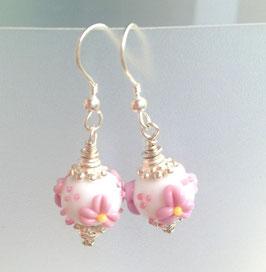 Glasperlen-Ohrhänger Rosa-Blüemli