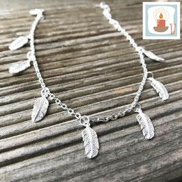 17.Dezember: Armketteli Silber mit Federli-Anhängerli