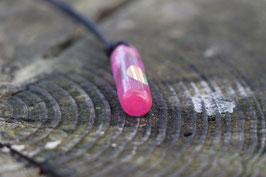 Halskette mit einem Anhänger aus einem alten oder kaputten Skateboard, holzfarbend, grün, Expoxidharz: pink, Nr. 8