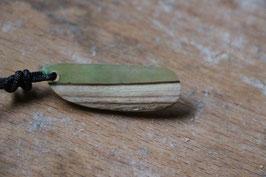 Halskette mit einem Anhänger aus Holz, Expoxidharz: grün, Nr. 08