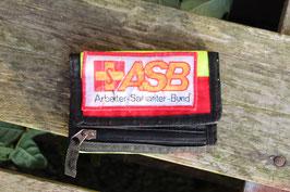 Geldbörse II, aus einer alten Rettungsdienstjacke, hier ASB, Nr. 1