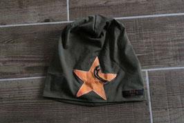 Mütze, oliv/orange, schwarz, Stern