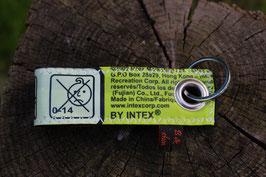 Schlüsselanhänger, schwarz/neongelb, Luftmatratze