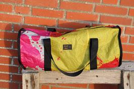Kleene Gedönstasche, pink, schwarz, weiß, gelb, rot, GIN Kite, Unikatnr 655