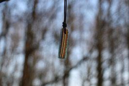 Halskette mit einem Anhänger aus einem alten oder kaputten Skateboard, holzfarbend, schwarz, Expoxidharz: türkismetallic, Nr. 12