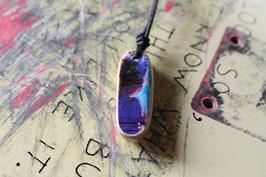 Halskette mit einem Anhänger aus einem alten oder kaputten Skateboard, holzfarbend, blau, Nr. 14