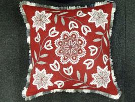 Ullbroderi materialsats till kudde / ウール刺繍キット 雪の結晶のクッション(赤)