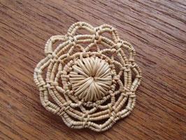 Brosch i rotslöjd  / 白樺根の工芸 ブローチ