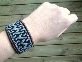 Samisk armband / サーミ族のピューター刺繍ブレスレット