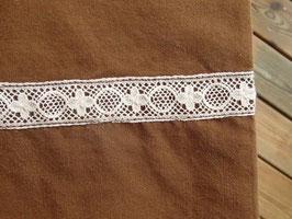 brun örngott m. spetsband / レースリボン付きピローケース