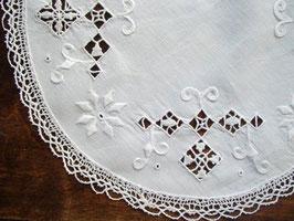 Spetsduk med drawn work / ドロンワーク刺繍のクロス