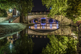 PONTS COUVERTS BY NIGHT