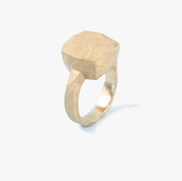 French cut stone ring