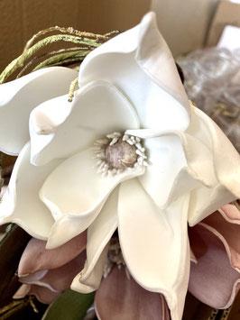 Formano Deko Magnolien-Zweig 5 Blüten täuschend echt weiss und altrosa