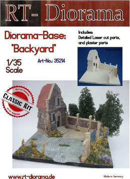 "Diorama-Base:""Backyard"""