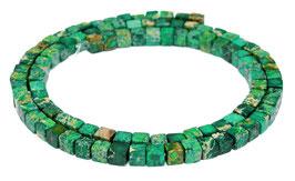 Impressionen Jaspis grün bis dunkelgrüne Würfel ca. 4-5 mm - Strang