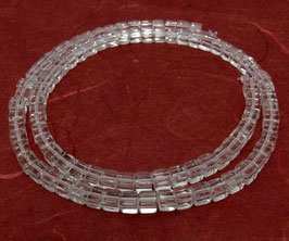 Bergkristall klare Würfel ca. 4 mm - Strang