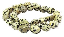 Dalmatiner Jaspis Nuggets ca. 16x12 mm - Strang
