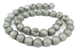Drusenachat matt silber-graue Kugeln z.T. mit Kristallen 10 mm Achat - Strang