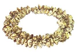 Betelnussperlen Dreieck-Nuggets ca. 8-10x5 mm - Strang