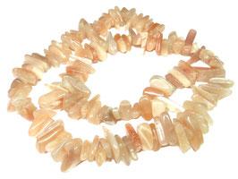 Sonnenstein lange Splitter-Nuggets ca. 10 - 20 mm - Strang
