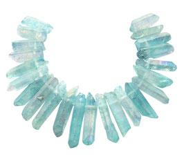 Bergkristall Spitzen-Nuggets ca. 20-40 mm eis-blau irisierend - 20 cm-Strang