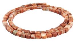Marmor Würfel / kleine Quader ca. 4x4x3,5 mm - Strang