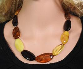 Bernstein Halskette polierte Natur-Nuggets multicolor