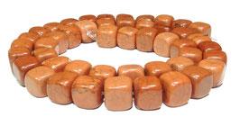 Magnesit rotbraune Würfel ca. 8 mm - Strang