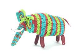 Elefant aus buntem Draht