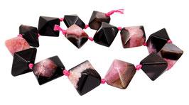 Achat mit Quarz Doppel-Pyramide schwarz - fuchsia-pink ca. 22x26 mm Strang