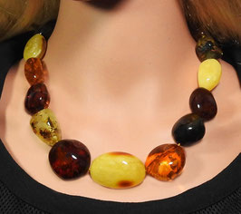 Bernstein Halskette dicke große polierte Natur-Nuggets multicolor