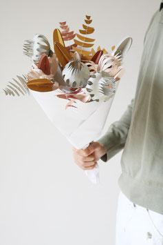 Papierblumen, Kore von Jurianne Matter