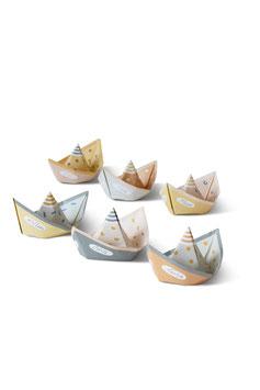 Papierboote, Segel von Jurianne Matter