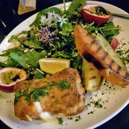 Kalbs-Cordon-Bleu à la Justus mit Salat