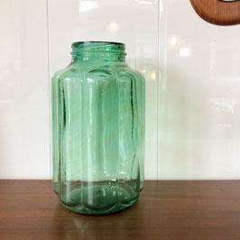 Grand bocal ancien bombé cannelé vert