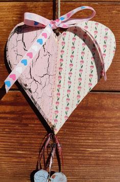 Holzherz mit zwei kleineren Herzen 2