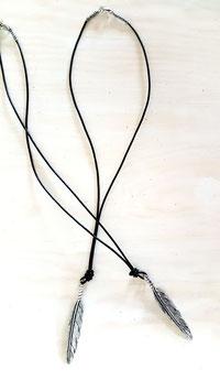 Leder Halskette mit Federanhänger