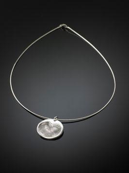 Silberkette mit einem Medaillon in Feinsilber und zwei Fingerprints