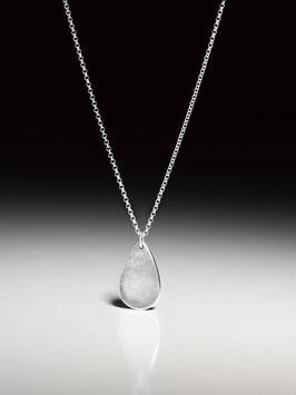 -NEU- Silberkette mit einem personalisierten Silberanhänger in Tropfenform klein